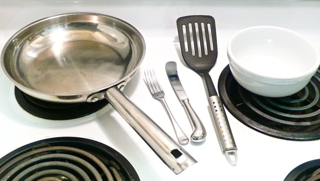 Equipment needed to make pan cooked scrambled eggs
