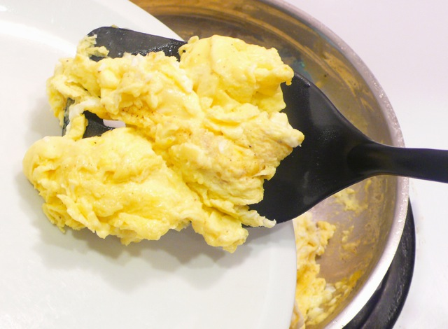 Tender & flavorful scrambled eggs